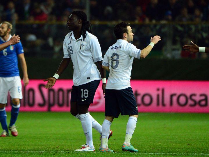 Mathieu Valbuena et Bafé Gomis face à l'Italie, en novembre 2012
