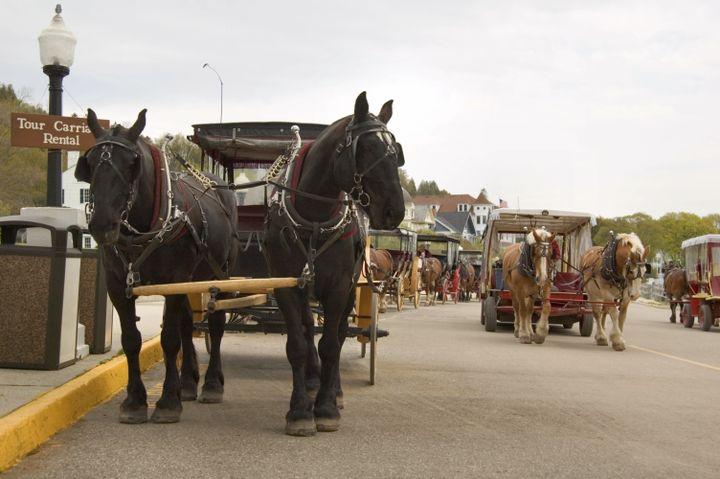 La ville américaine de Mackinac interdit les voitures depuis 1898. (CORNELIA SCHAIBLE / GETTY IMAGES)