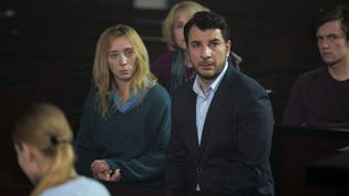 "Sylvie Testud et Michaël Youn dans ""Fugueuse"" sur TF1. (GILLES GUSTINE / VEMA PRODUCTION / TF1)"