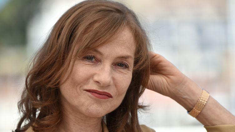"Isabelle Huppert, durant le photocall de ""Elle"", le 21 mai 2016, Cannes  (ALBERTO PIZZOLI / AFP)"