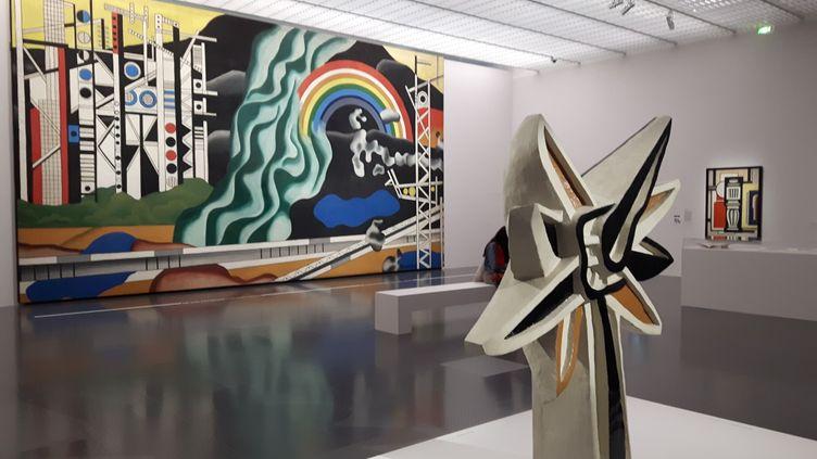 """""""La fleur polychrome"""" de Fernand Léger devant son tableau monumental : """"Le transport des forces"""" au Centre Pompidou-Metz (RADIO FRANCE / Anne Chépeau)"""