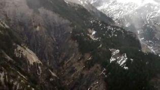 La zone où s'est écrasé un Airbus, dans les Alpes, le 24 mars 2015. (MINISTERE DE L'INTERIEUR / AFP)