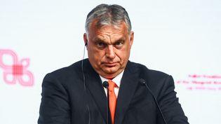 Le Premier ministre hongrois, Viktor Orban, lors d'une conférence de presse en Pologne, le 30 juin 2021. (BEATA ZAWRZEL / NURPHOTO / AFP)
