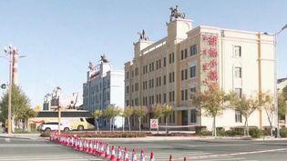 En Chine, quatre millions de personnes ont été reconfinées, soit l'intégralité de la ville de Lanzhou, dans le nord-ouest du pays. Au total, 39 cas de Covid-19 ont été recensés. (FRANCE 3)