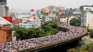 Manifestation monstre contre le président socialiste Nicolas Maduro, à Caracas, au Venezuela, le 19 avril 2017. (CHRISTIAN VERON / REUTERS)