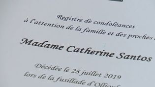 Catherine Santos est morte dans la fusillade d'Ollioules (Var). À Vesoul (Haute-Savoie) où elle habitait, les habitants sont en deuil. (CAPTURE ECRAN FRANCE 2)