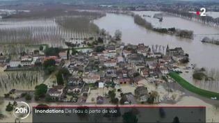 Vue aérienne de Couthures-sur-Garonne (Lot-et-Garonne), le 3 février 2021. (FRANCE 2)