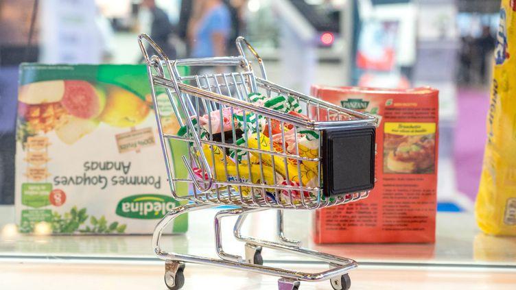 Un caddie de supermarché (illustration). (BRUNO LEVESQUE / MAXPPP)