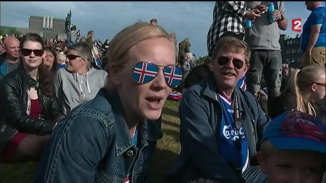 Les footballeurs islandais, un retour en héros