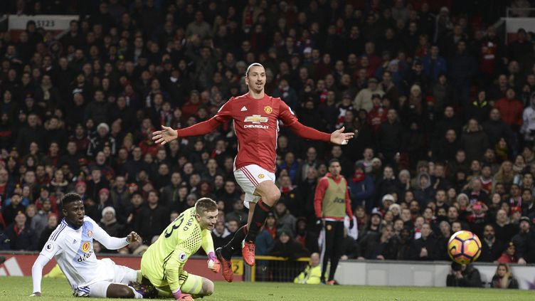 ZlatanIbrahimovic, attaquant star de Manchester United, le 26 décembre 2016. (OLI SCARFF / AFP)