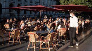 Une terrasse de café à Bordeaux, le 8 septembre 2020. (VALENTINO BELLONI / HANS LUCAS / AFP)