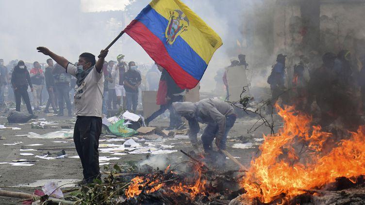 Deshabitants manifestent à Quito (Equateur), le 12 octobre 2019. (MARTIN BERNETTI / AFP)