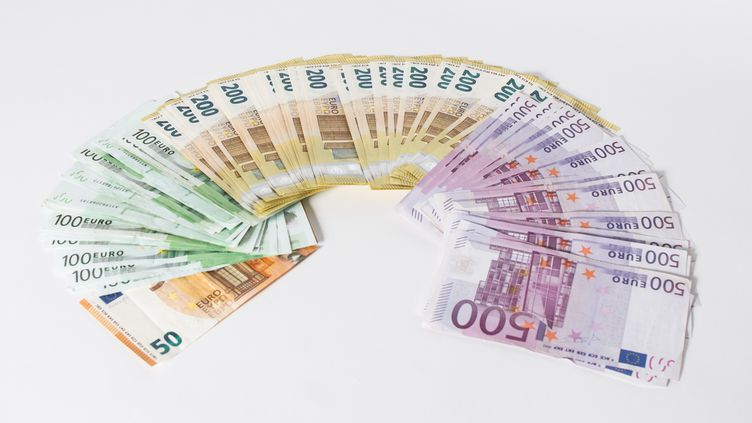 """La loi de finances rectificative pour 2020prévoit462 milliards d'euros de """"mesures exceptionnelles"""" dues à la crise du Covid-19. (K. SCHMITT / FOTOSTAND / AFP)"""