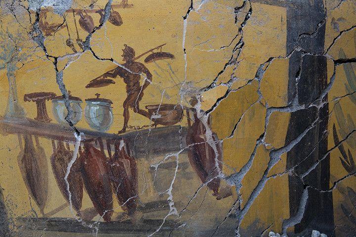 Fresque avec amphores du comptoir d'un thermopole, Ier siècle après J.-C., Pompéi, intersection de la rue des Noces d'Argent et de la rue des Balcon (© GEDEON Programmes)