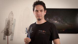 S'il met le cap sur Mars,Ludovic Klein Capelle,29 ans, directeur technique au sein d'une société audiovisuelle, emmènera avec lui un téléscope, un appareil photo et un outil multifonctions dont il ne se sépare jamais. (LUDOVIC KLEIN CAPELLE)