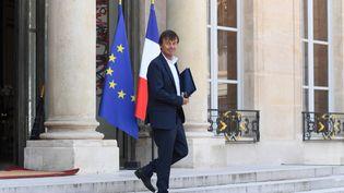 Nicolas Hulot, le 9 mai 2018, quitte le palais de l'Elysée à Paris. (CHRISTOPHE ARCHAMBAULT / AFP)
