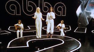 Le groupe suédois ABBA, Benny Andersson, Agneta Faltskog,Anni-frid Lyngstad, Bjorn Ulvaeus, le 18 novembre 1976 àGöteborg(Suède).   (AFP)