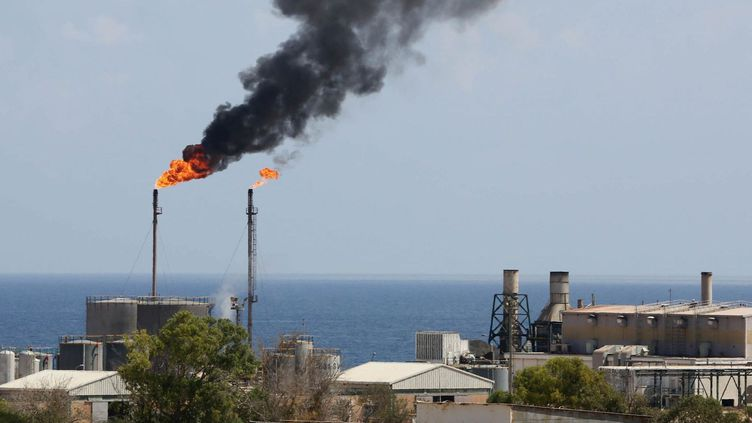 Le pétrole est la principale ressource libyenne (MAHMUD TURKIA / AFP)