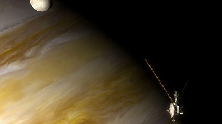 Vue d'artiste de la sonde Voyager 1 en orbite de Jupiter, en 1979. (STEVEN HOBBS / NOVAPIX / AFP)