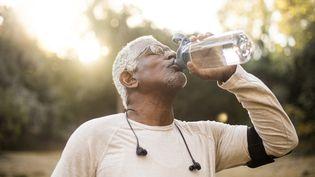 Le problème de l'eau potable auxÉtats-Unis se pose à chaque nouveau président. Comment répartir les responsabilités entre autorités locales et autorité fédérale ? Illustration (ADAMKAZ / E+ / GETTY IMAGES)