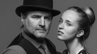 La bête (Michel Ghuzel) et la Belle (Roxane Arnal)  (Hugues Faye)