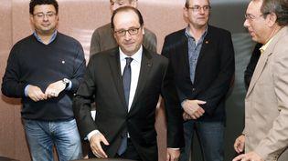 François Hollande rencontre la direction et les partenaires sociaux de l'usine ArcelorMittal, à Florange (Moselle), lundi 24 novembre 2014. ( AFP )