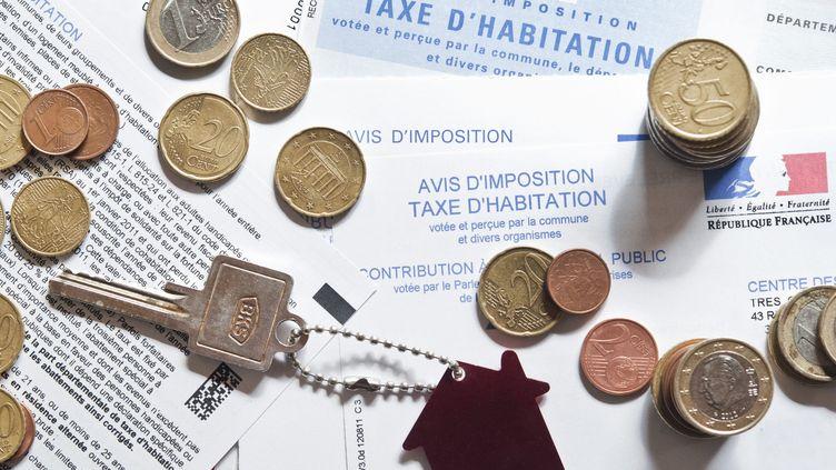 Grâce à la calculatrice réalisée par franceinfo.fr, vous pouvez déterminer l'impact de ces mesures sur votre porte-monnaie. (MAXPPP)