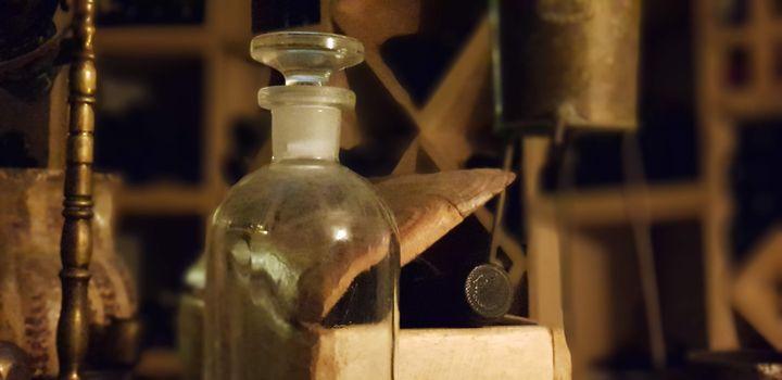 """Dans l'escape game """"Secrets de cave"""", on apprend à reconnaître les principaux cépages corses : par exemple le Niellucciu, le plus riche en tannin. (SECRETS DE CAVE)"""