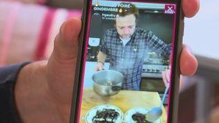 Cuisine : les Français se remettent aux fourneaux grâce à internet (France 2)