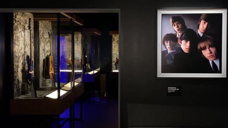 """""""Unzipped"""" se tient du 10 juin au 5 septembre au stade Vélodrome Marseille, lieubien connu des Rolling Stones. (France 3 Provence)"""