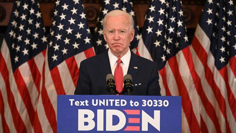 Le candidat démocrate à la présidentielle américaine, Joe Biden,lors d'une conférence de presse sur les manifestations antiracistes aux Etats-Unis, le 2 juin 2020 à Philadelphie (Pennsylvanie). (JIM WATSON / AFP)