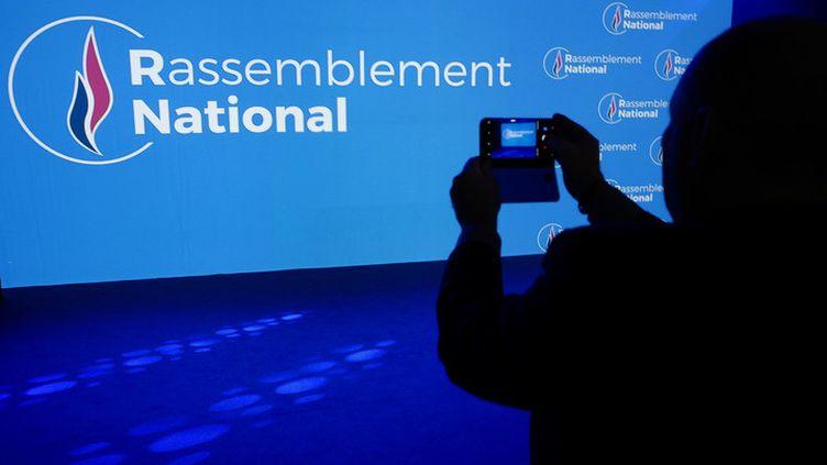 """Marine Le Pen semble avoir réussi à """"normaliser"""" son parti depuis son arrivée à la tête du FN en 2011. (JEAN-PHILIPPE KSIAZEK/AFP)"""