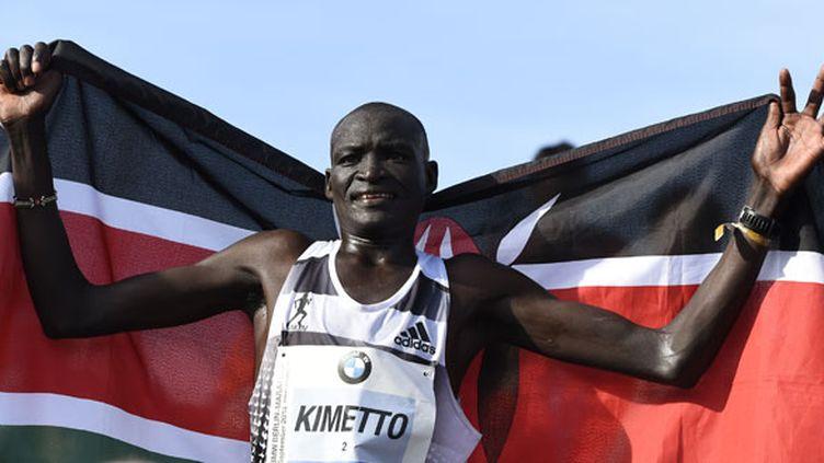 Le Kenyan Dennis Kimetto est le nouveau recordman du marathon