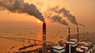 Une centrale électrique au charbon à Nantong, dans la province du Jiangsu (est de la Chine), le 12 décembre 2018. (MAXPPP)