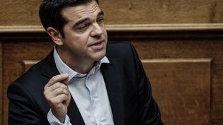 Le Premier ministre grec Alexis Tsipras lors d'un discours devant le Parlement à Athènes, le 27 juin 2015. (DIMITRI MESSINIS / AFP)