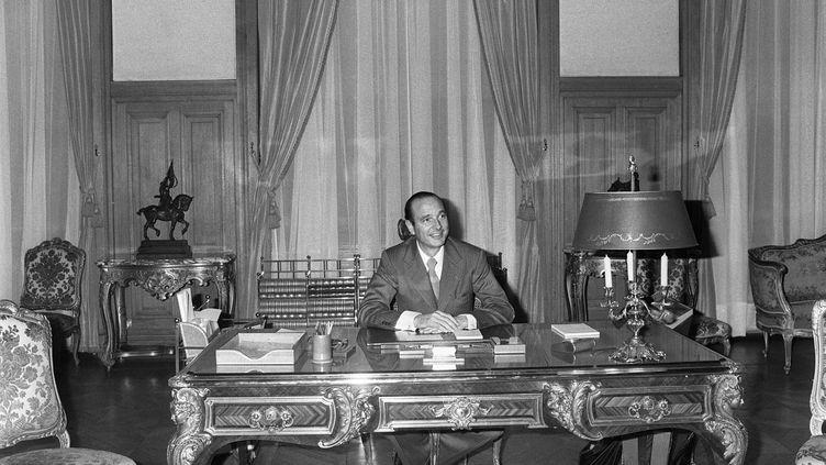 Jacques Chirac, élu maire de Paris, à l'hôtel de ville, le 26 mars 1977. (AFP)