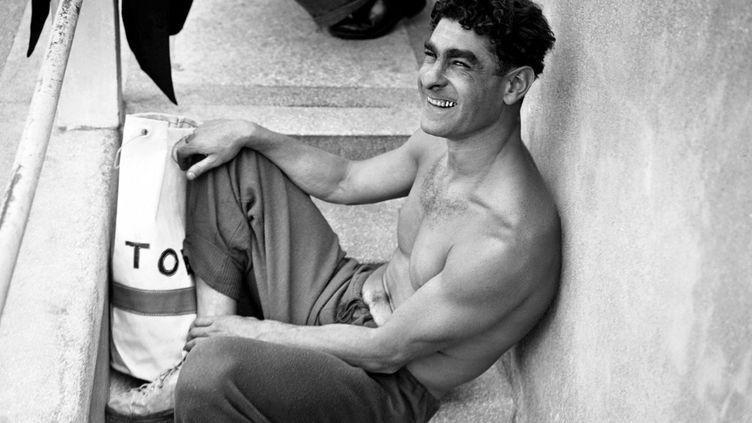 En 1946, Alfred Nakache affiche son légendaire sourire, malgré les drames qu'il vient de vivre. (- / AFP)