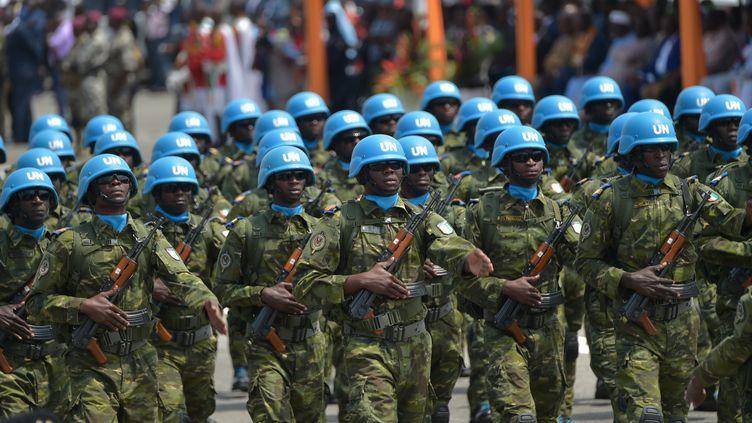 Des soldats ivoiriens de laMission de l'ONU au Mali (Minusma), le 7 août 2010, àAbidjan, en Côte-d'Ivoire. (SIA KAMBOU / AFP)