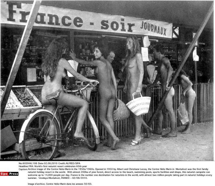 L'épicerie du centre hélio-marin de Montalivet (Gironde), dans les années 50-60. (COURTESY CHM/SIPA)