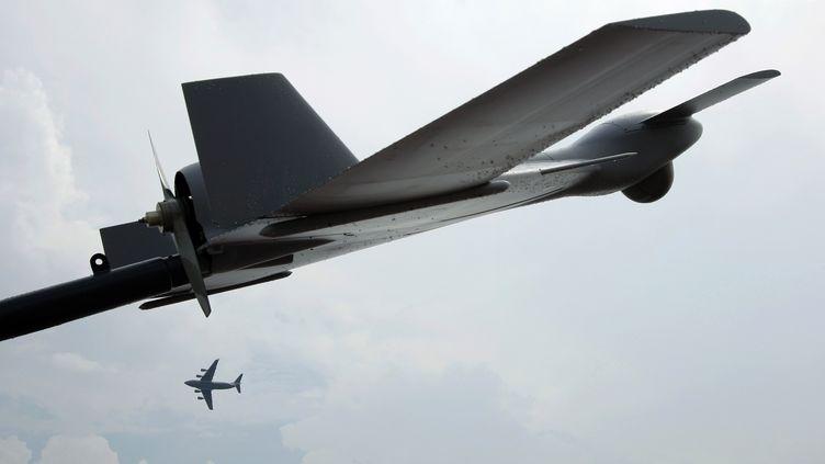 Drone de combat de type Harop, lors d'une démonstration aérienne à Singapour, le 17 février 2012. (TIM CHONG / REUTERS)
