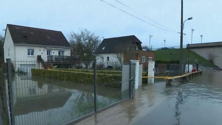 Inondation à Saint-Aubin-lès-Elbeuf (Seine-Maritime). (FRANCE 2)