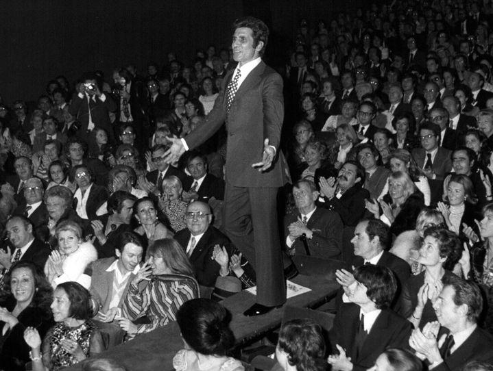 Gilbert Bécaud en concert à l'Olympia en octobre 1973.  (Keystone Pictures USA MaxPPP/Newscom/MaxPPP)