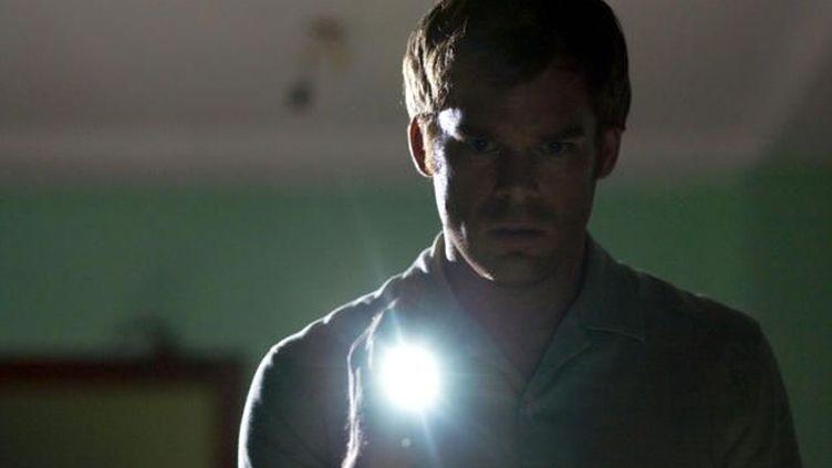 Dexter, le héros de la série éponyme, incarné par l'acteur Michael C. Hall, dans une image tirée d'un des épisodes. (SHOWTIME NETWORK INC)