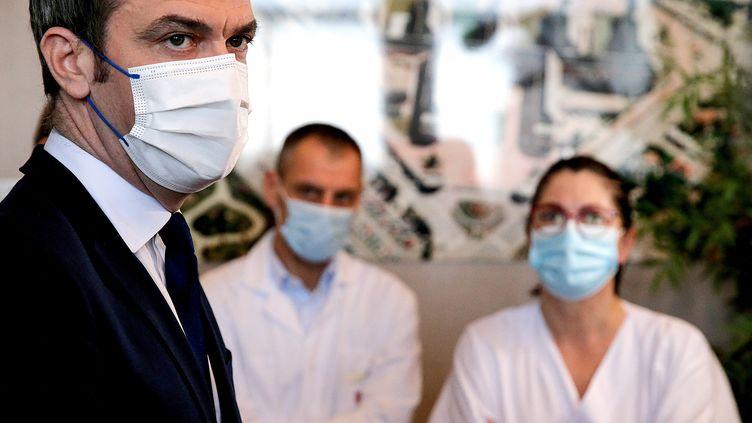 Le ministre de la Santé, Olivier Véran, le 15 janvier 2021. (FRANCOIS NASCIMBENI / AFP)