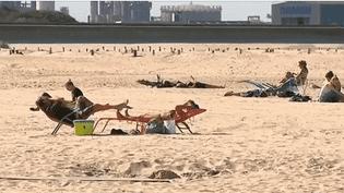 La Côté d'Opale bénéficie d'un mois de septembre exceptionnel, de quoi fréquenter la plage en arrière-saison. (FRANCE 3)