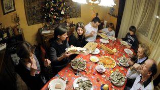 Repas de Noël en famille à Saulxures-lès-Nancy, le 24 decembre 2010. (ALEXANDRE MARCHI. / MAXPPP)