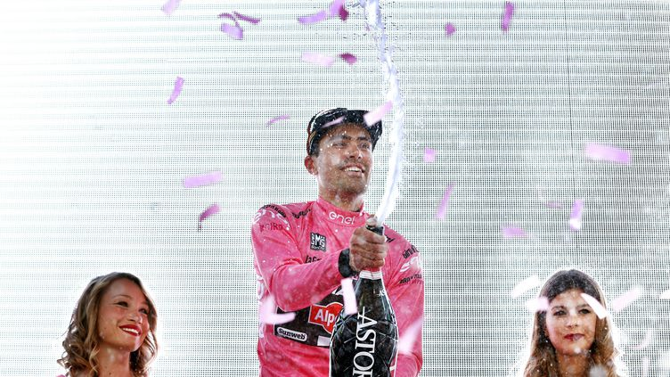 Tom Dumoulin peut sabrer le champagne (BAS CZERWINSKI / ANP)