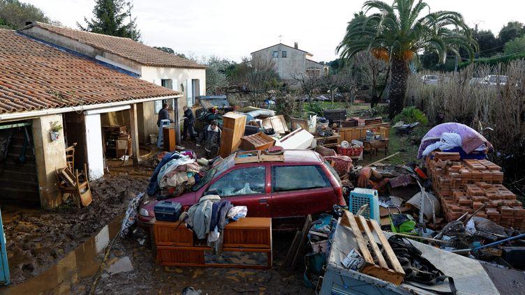 Le hameau deGinouvies (Var) après les inondations, le 20 janvier 2014. (MAXPPP)