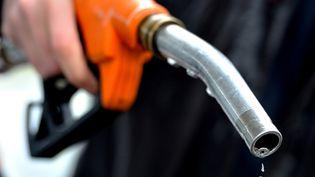 Avec la hausse continue des prix des carburants, les vols se multiplient en France. (PHILIPPE HUGUEN / AFP)