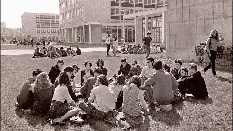 Des étudiants occupent la Faculté des lettres et des sciences de Nanterre (Hauts-de-Seine), le 29 mars 1968. (ARCHIVES)